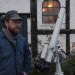 Thomas fra Gudhjem på Bornholm med sin stjernekikkert